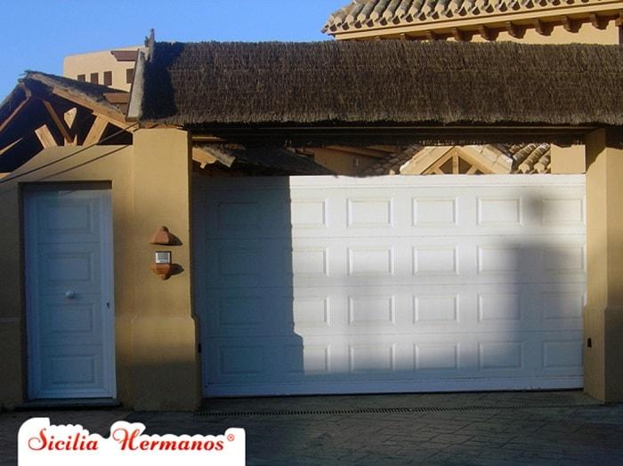 puertas de garaje automáticas Mijas